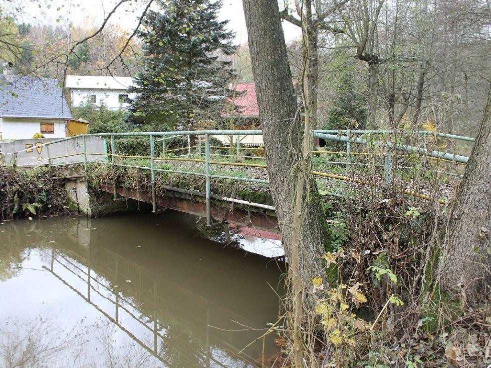 Most v havarijním stavu na Libíně.