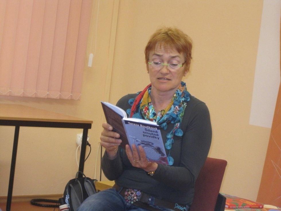 Z autorského čtení Terezy Boučkové v hořické knihovně.