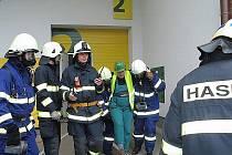 Cvičení hasičů v Čisté u Horek.