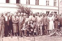 Pedagogický sbor jičínské Dvanáctileté střední školy, dnešního gymnázia.