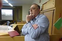 Profesor Zdeněk Beneš přednášel v jičínské knihovně o Albrechtu z Valdštejna.