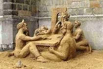 Pekelníci z písku na náměstí Svobody v Jičíně