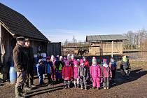Děti z jičínské MŠ J. Š. Kubína se byly podívat v lužanské oboře.
