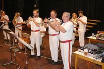 Z oslav 115 let sboru valdických dobrovolných hasičů.