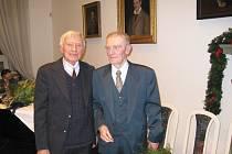 Nositelé Cen města Jičína profesoři Vladimír Úlehla (vlevo) a Robert Kvaček.