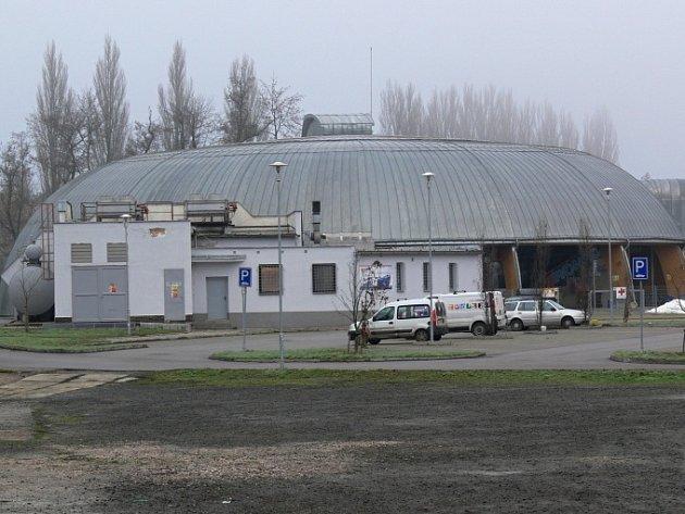 Jičínský zimní stadion.