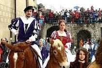 Otevření hradu Pecka na sezonu, přijíždí Kryštof Harant s chotí.