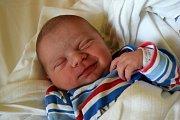MIKOLÁŠ HEJNA se usmívá na svět od 7. března, kdy se narodil  s porodní mírou 50 cm a váhou 3,65 kg. Rodiče Petra Luňáková a Jan Hejna si svoje miminko odvezli domů do Jeřic, kde se na brášku  těšil tříletý Antonín.