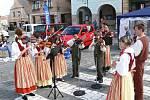 Na novopackém Dni s Deníkem zahrál také soubor Daráček z místní ZUŠ písně z Podkrkonoší.