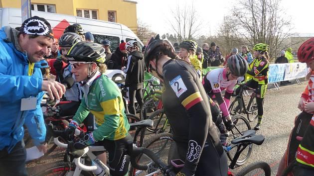 Mistrovství republiky v cyklokrosu jiným pohledem.