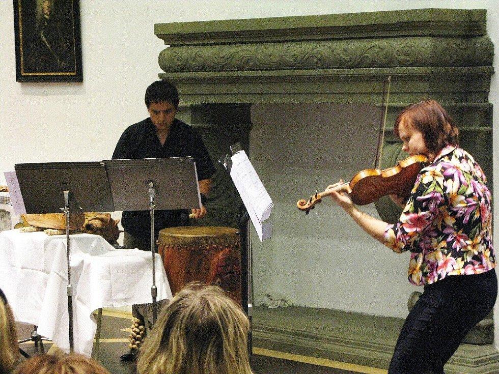 Ondřej Koláčný a Jitka Břízová na koncertě v Porotním sále.