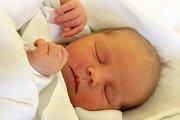 VERUNKA JANDÍKOVÁ se narodila 19. února s porodní mírou 47 cm a váhou 2,83 kg. Šťastní rodiče Marie Paldusová a Petr Jandík si svoje miminko odvezli domů do obce Hřmenín.
