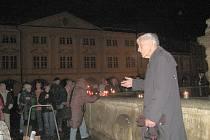 Setkání u kašny 17. listopadu 2009 v 17 hodin 17 minut.