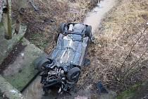 Nehoda golfu u Lázní Bělohradu.