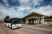 Stavba autobusového terminálu v Nové Pace.