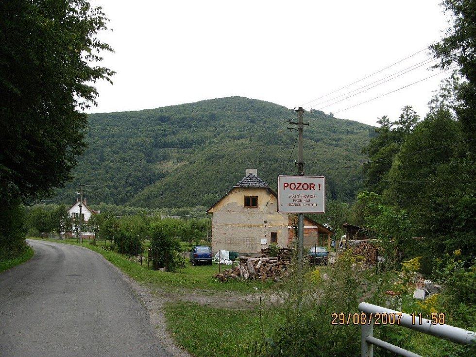 Vlárský průsmyk, v pozadí kopec Čaganov.