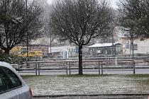 Ve středu ráno drobně nasněžilo třeba i v Nové Pace.