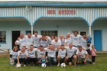 Mužstvo Nemyčevsi, vítěz tohoto ročníku okresní soutěže mužů, po domácí výhře se Sobotkou B (11:1).