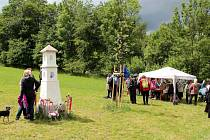 Slavnost svěcení poutního místa sv. Zdislavy v Holenících.