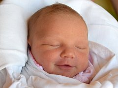 VENDULKA SOUČKOVÁ se 27. května poprvé usmála na svoje  rodiče Veroniku a Ondřeje Součkovi z Hořic. Vendulka po narození měřila 51 cm a vážila 3,27 kg.