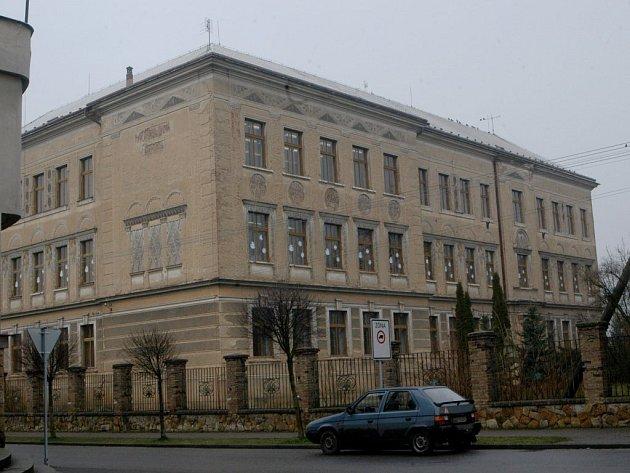 Základní škola v Kopidlně.