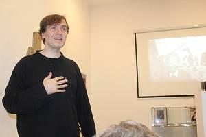 Přednáška Jaromíra Typlta v novopackém Suchardově domě.
