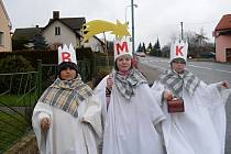 Tři králové z jičíněvské ZŠ a MŠ.