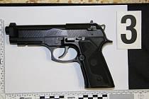 Policisté šetří případ střelby v Milovicích u Hořic.