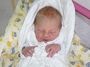 DANIEL HRUŠ (3,72 kg, 51 cm) věnoval svůj první úsměv rodičům Kristýně Kubátové a Liboru Hrušovi 13. března, své první děťátko si z porodnice odvezli domů do Hořic.