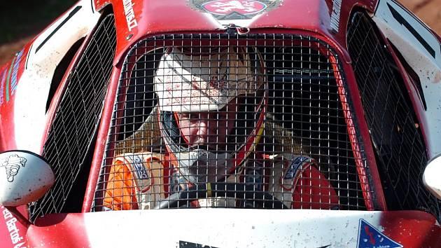 Mistr volantu, český autokrosový jezdec Petr Bartoš.