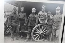 Válečné snímky Jendy Rajnama.
