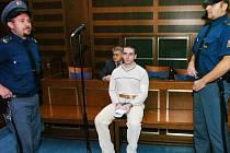 Odsouzený Radek Chaloupka u soudu.