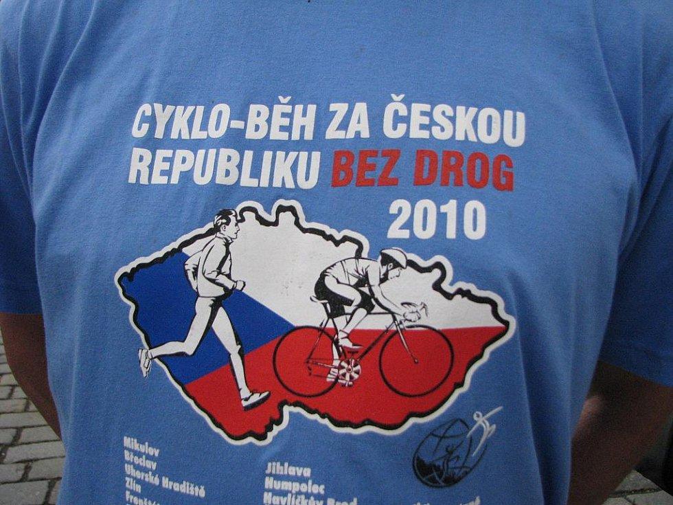 Cykloběh proti drogám 2010 v Jičíně.