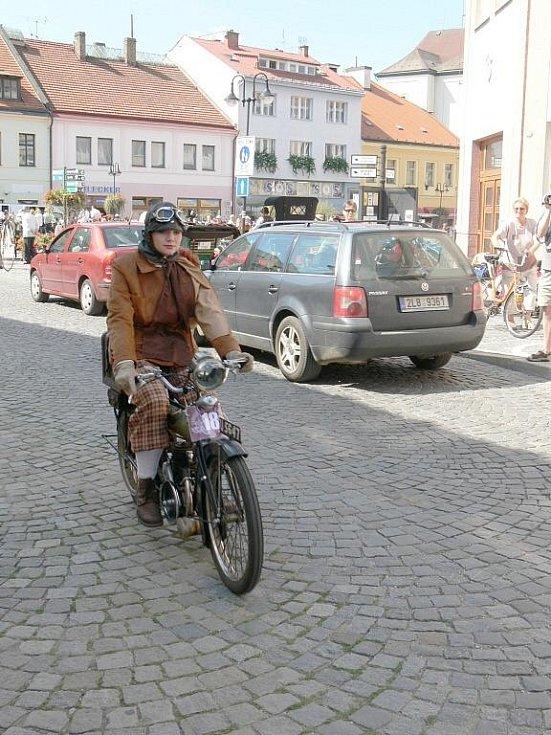 Loukotě a řemeny 2009 Jičín.