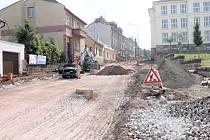 Oprava Komenského ulice v Lomnici nad Popelkou.