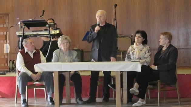 Z výroční schůze Svazu tělesně postižených v Nové Pace.