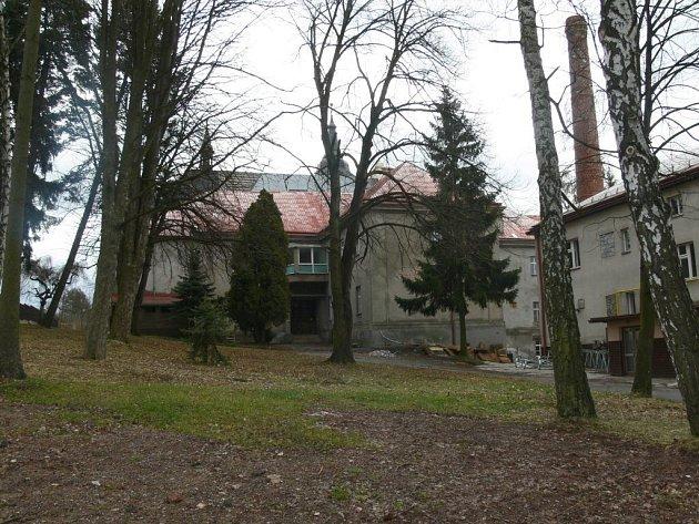 Z areálu novopackého kláštera.