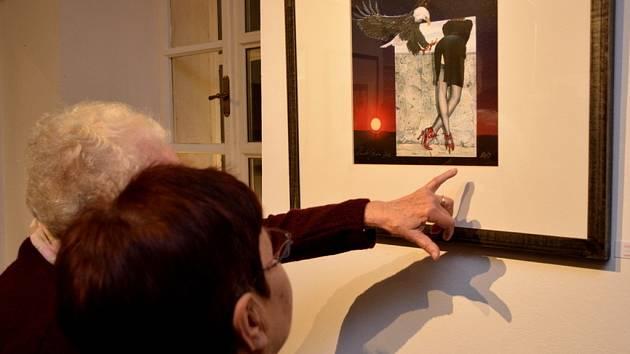 Vernisáž výstavy obrazů Renaty Greiner v železnické Café Terasy.