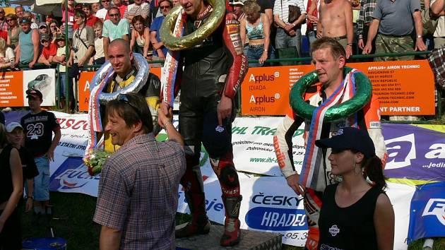 Na hořických závodech popřál domácímu Oldřichu Podlipnému k vítězství také starosta města Ivan Doležal.