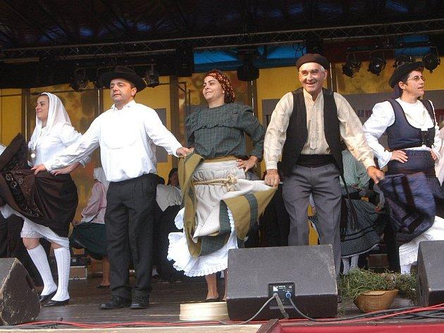 Portugalský folklorní soubor Rocas do Vouga.