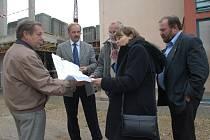 Kontrolní den na stavbě soboteckého domu společenských funkcí.