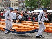 Holandský sýrový trh.