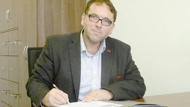 Jaroslav Nádvorník.