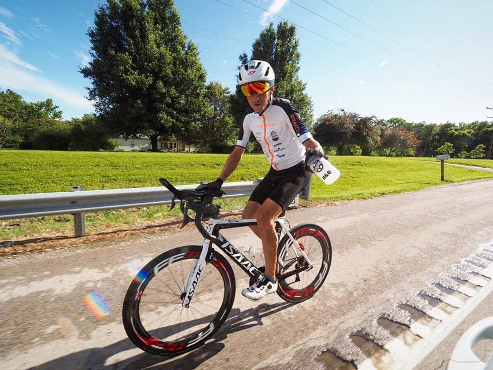 Daniel Polman z Nové Paky v sobotu dojel do cíle 5000 kilometrů dlouhého závodu světa RAAM America. Skončil sedmý!