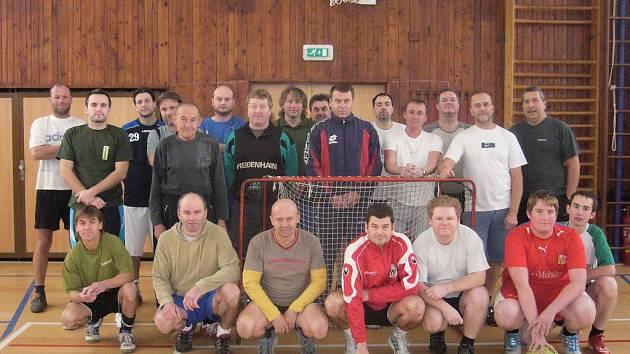 Společný snímek všech účastníků jubilejního 15. ročníku Batalion cupu.