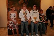 Osobně si přišli do zámecké galerie pro ocenění – zleva: Kateřina Rozínková, Lukáš Foff, Michal Lebeda a Martin Koblížek.