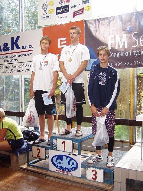 Na druhý stupínek vystoupal ve Velké ceně Trutnova v závodě 200 m polohově náchodský plavec Pavel Janeček.