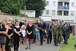 Vojenský pohřeb četaře Ivo Klusáka v jičínské smuteční síni.