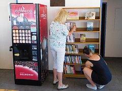 Nově otevřená samoobslužná knihovna na jičínském koupališti