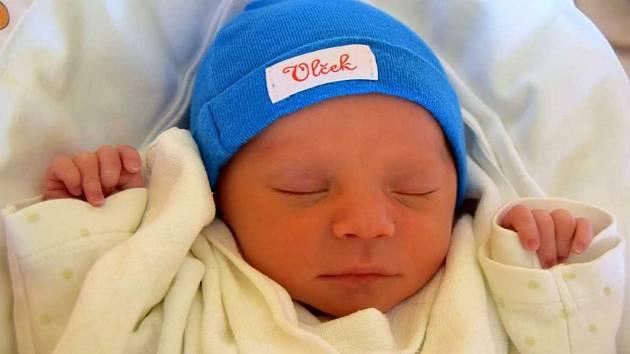 Tadeáš Plaček se narodil 18. ledna s mírou 44 cm a váhou 2,13 kg. Z miminka se radují rodiče Aneta Plačková a Miroslav Janata. Doma v Lomnici nad Popelkou se na Tadeáška těšil sedmnáctiměsíční bráška Vojtěch.